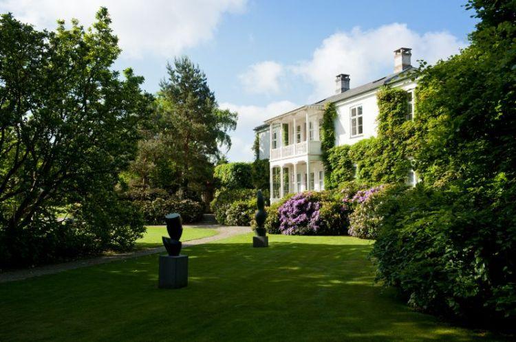 "Museet i Humlebæk er en oase for kreative kuler. Her er det ""Louisiana Gamle Villa"""